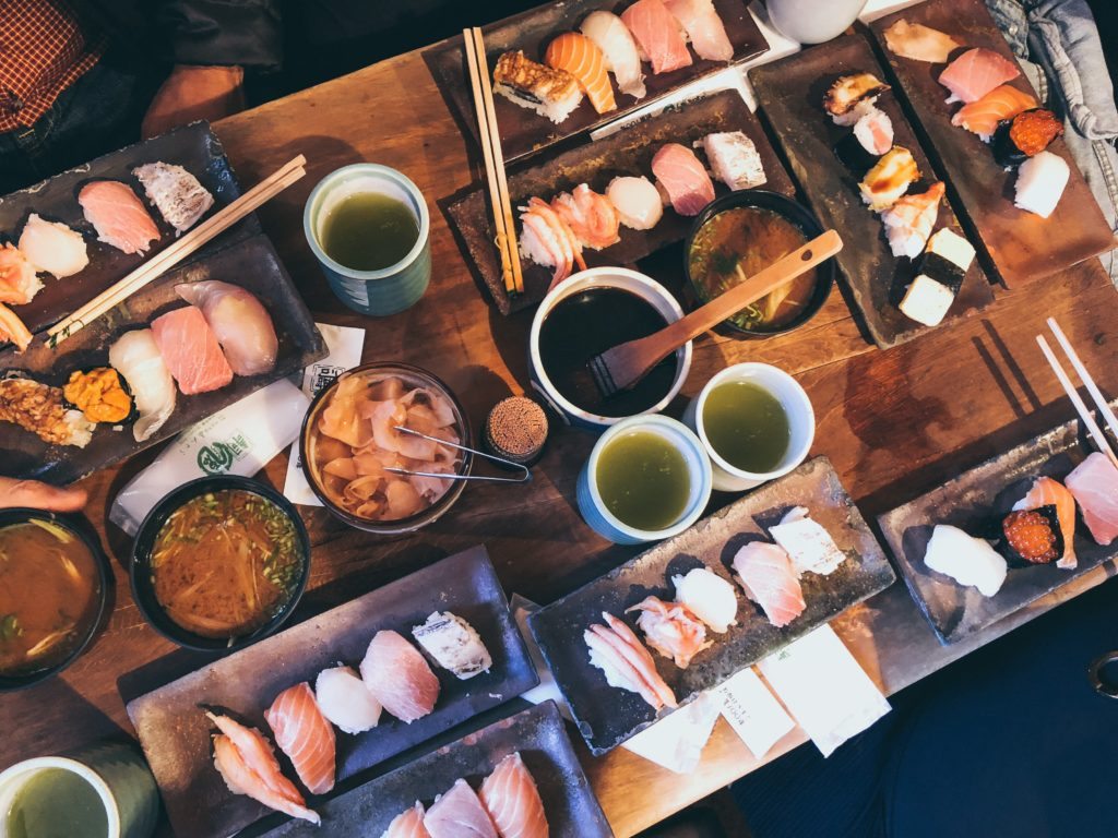 Pairing Gen Mai Cha tea and sushi is a classic.