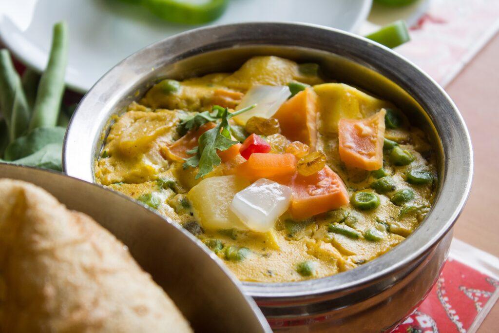 Vegetarian curry and tea pairing